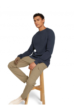 raglan sweater with structure